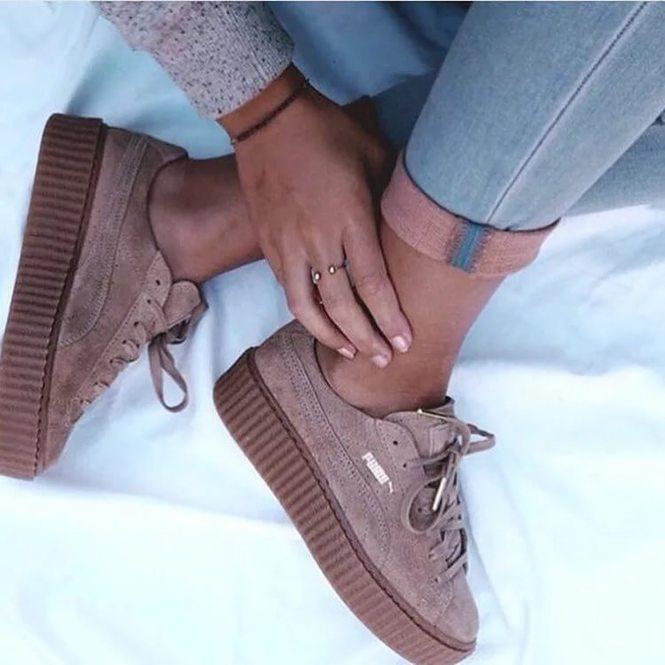 Кроссовки Fenty Puma by Rihanna – это спортивная обувь, имеющая  принципиально новый уровень, появившаяся в результате уникального  сотрудничества всемирно ... 07a5f29423c